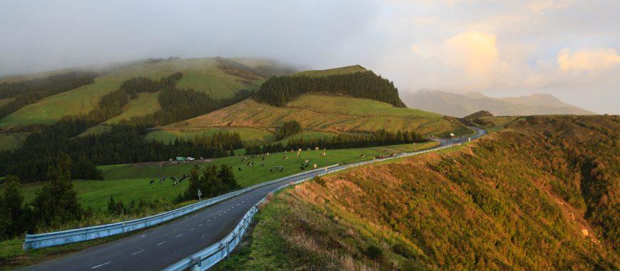 Inverno in moto: gli itinerari per sfuggire al freddo stagionale