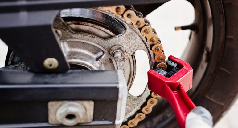 Cleaning and lubricating your bike chain: the ABCs of bike maintenance