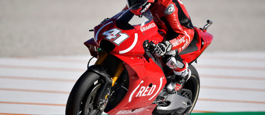 MotoGP Bulletin 18: due cadute a Valencia chiudono la stagione positiva di Aprilia