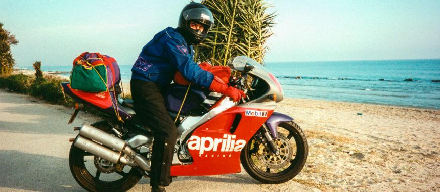 L'RS 250 e quel pazzo viaggio Noale – Sicilia del '94 per collaudarla