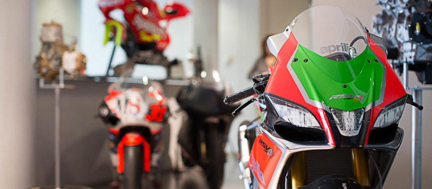 « Un ADN de Racer » : voyage dans le Département des Courses Aprilia Racing